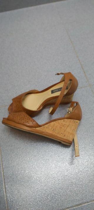 sandalia marron