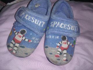 zapatillas de casa número 22