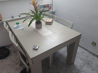 mesa+4 sillas y espejo