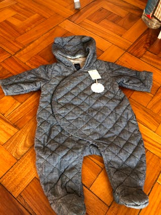 Buzo abrigo de Gap talla 3-6 meses