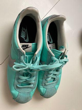 Nike Celeste