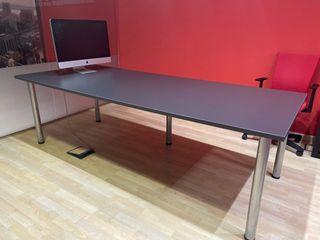 Mesa de reuniones para oficina o despacho
