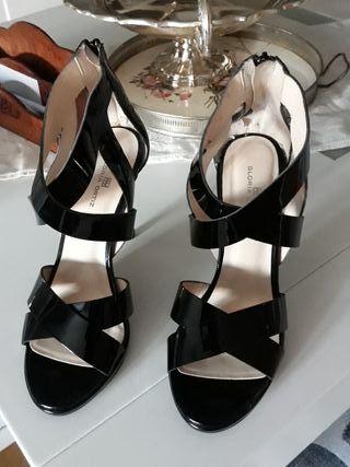 Sandalias de piel Gloria Ortiz 40