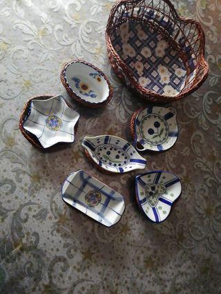 conjunto de platos con cestas