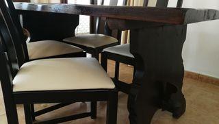 Conjunto mesa negra madera rústica + 4 sillas
