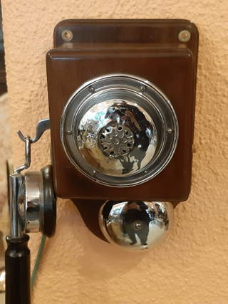 Telefono antiguo de pared