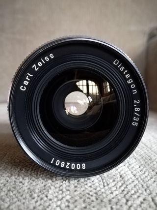 CARL ZEISS Distagon 35mm con adaptador a Sony