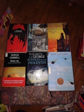 Libros y novelas. 3 euros cada uno.