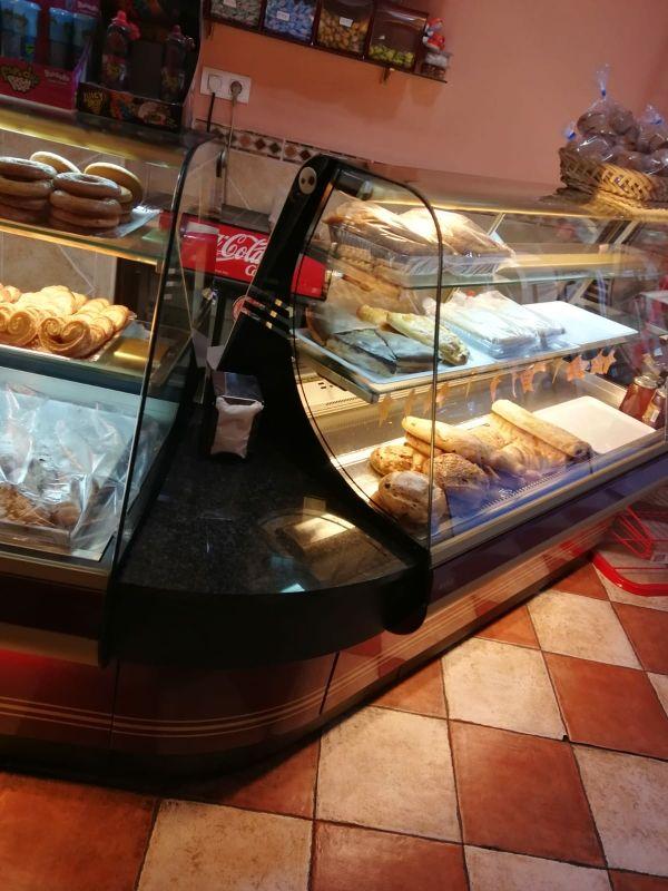 Se vende mobiliario de panadería