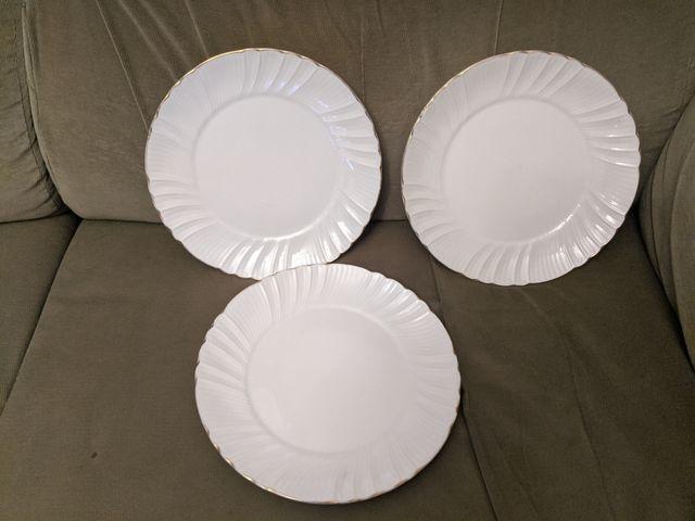 Juego 18 platos llanos y hondos de porcelana
