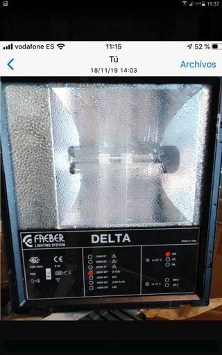 Foco halogenuro metálico Faeber Delta