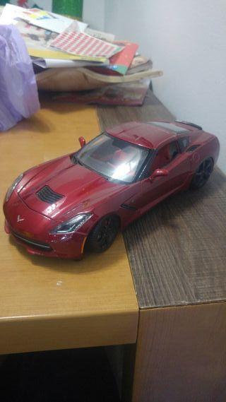 Corvette 1/18 maisto. Llantas pintadas en negro.