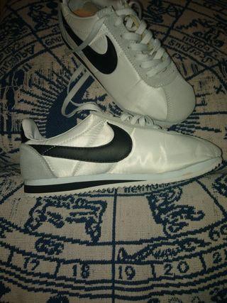 Nike n38. 2 puestas.