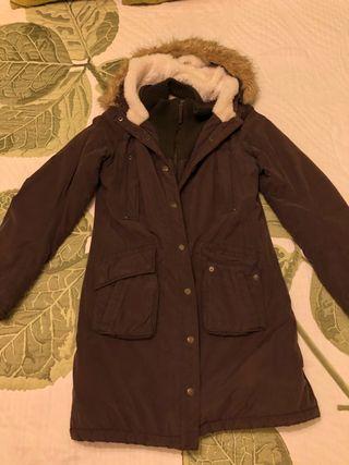 Abrigo marrón con pelo por dentro