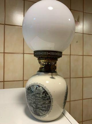 Lámpara antigua queroseno