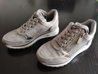 Zapatillas Xti del 35 nuevas