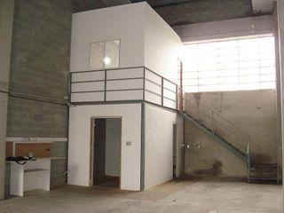 Nave industrial en alquiler en El Bon Pastor en Barcelona