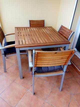 conjunto jardín mesa + 4 sillas + mesa auxiliar.