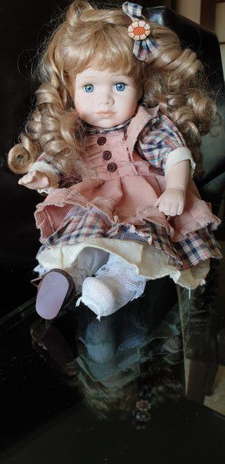 Muñeca antigua. Precio rebajado!