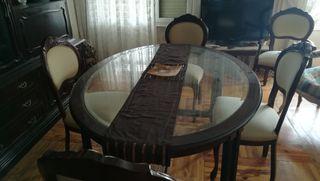 Mesa clásica de comedor