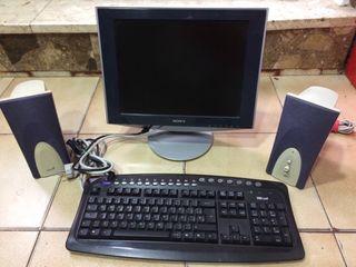 Pack pantalla-teclado-altavoces