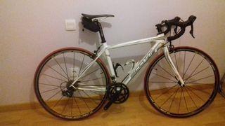 Bicicleta de carretera carbono SCOTT CR1