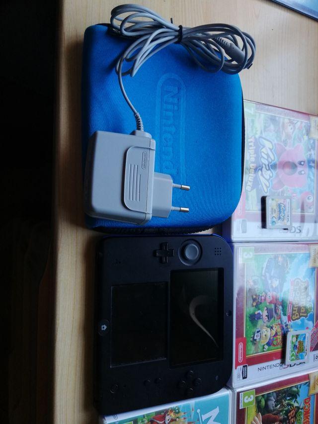 Ninten 2DS con juegos y plataforma Amiibo