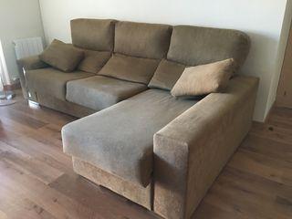 Sofá de tres plazas chaise longue