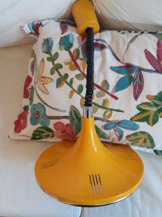 lámpara vintage amarilla extensible