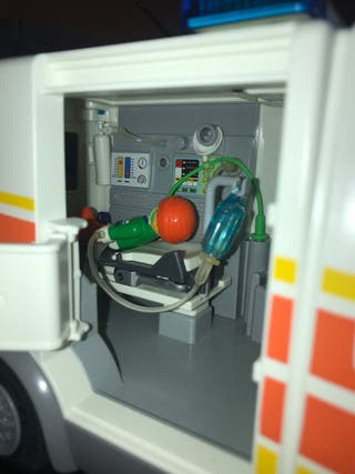 Ambulancia playmobil