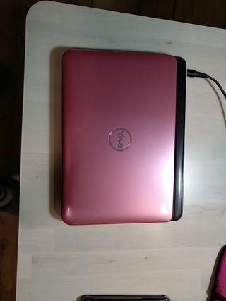 Ordenador Dell inspiron mini color rosa.