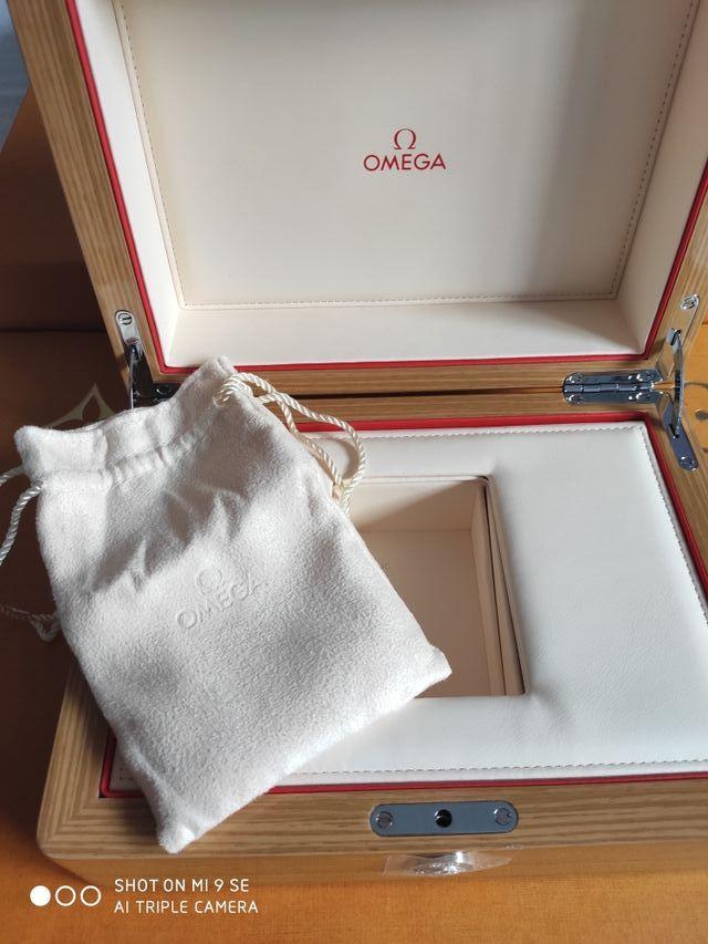 Omega caja de reloj