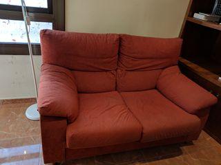 Sofá cómodo de dos plazas