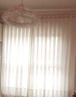 CORTINA INFANTIL Y LAMPARA