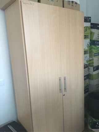 Vendo armario alto con llave