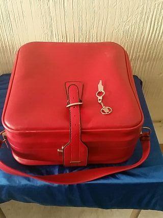 maleta de viaje antigua