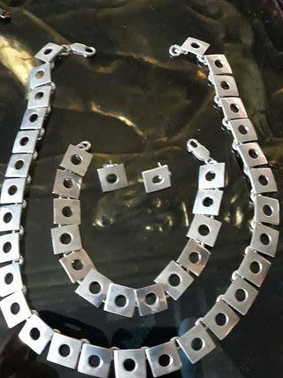 Gargantilla pulsera y Pendientes de plata 1 cm.