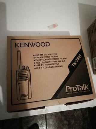 El Kenwood TK-3501 walkie-talkie PMR 446