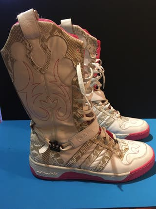 Botas Zapatillas Cowboy Adidas Missy Elliot de segunda mano
