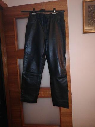 pantalon negro piel