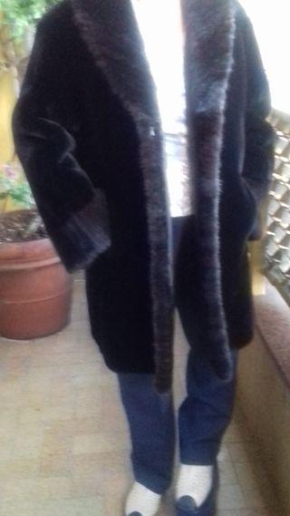 Abrigo de Mouton negro