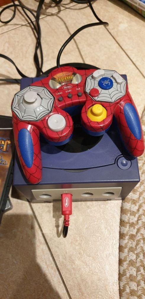 Game Cube +2 mandos + juegos