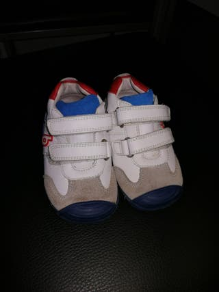 Zapatos marca Biomecanics número 21