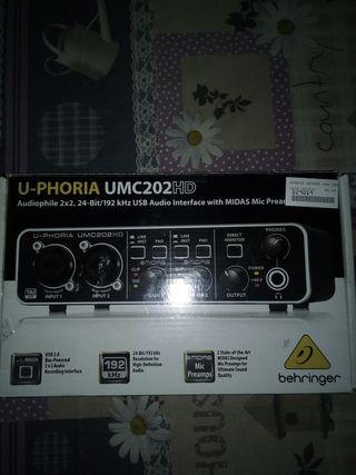Behringer UMC202HD // Tarjeta de sonido