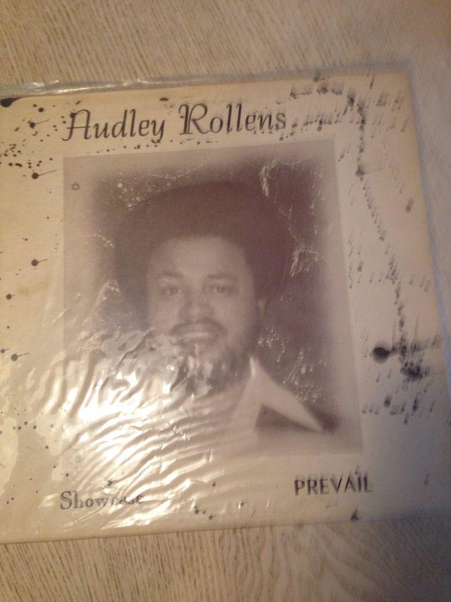 Audley Rollens show case wackies original