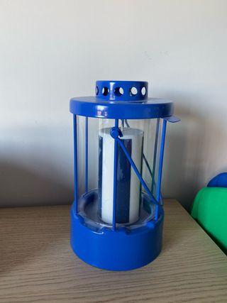 Farol IKEA decoración interior color azul