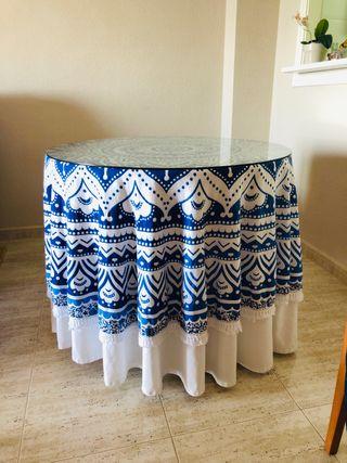 Mesa camilla y mantel