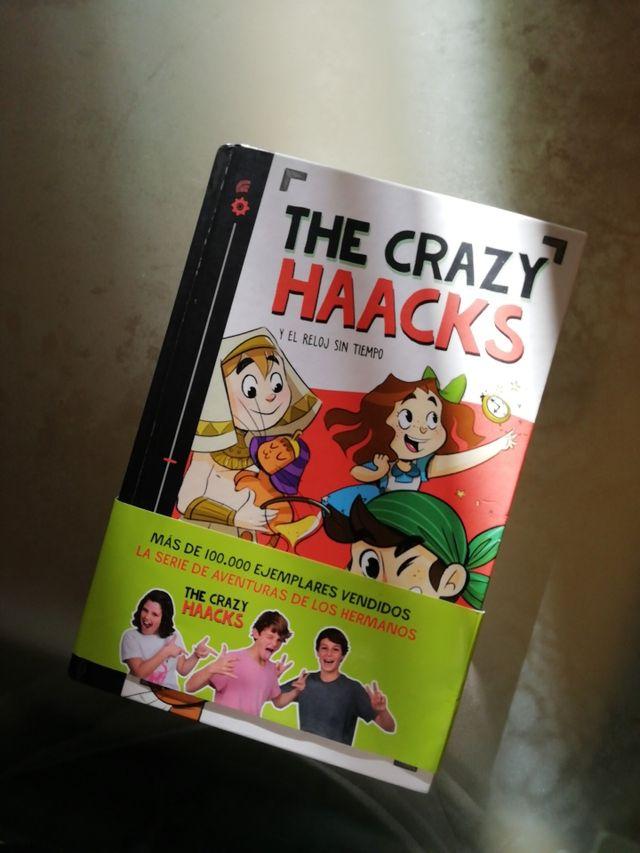 """Libro the crazy haacks """"el reloj sin tiempo"""""""