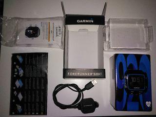Garmin 920xt con cargador y protectores de pantall