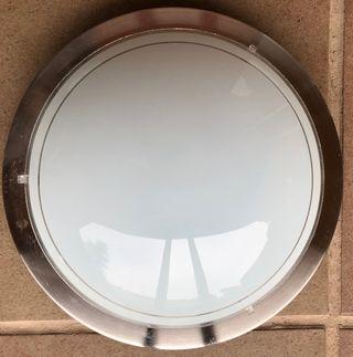 Llum de sostre. Lámpara de techo